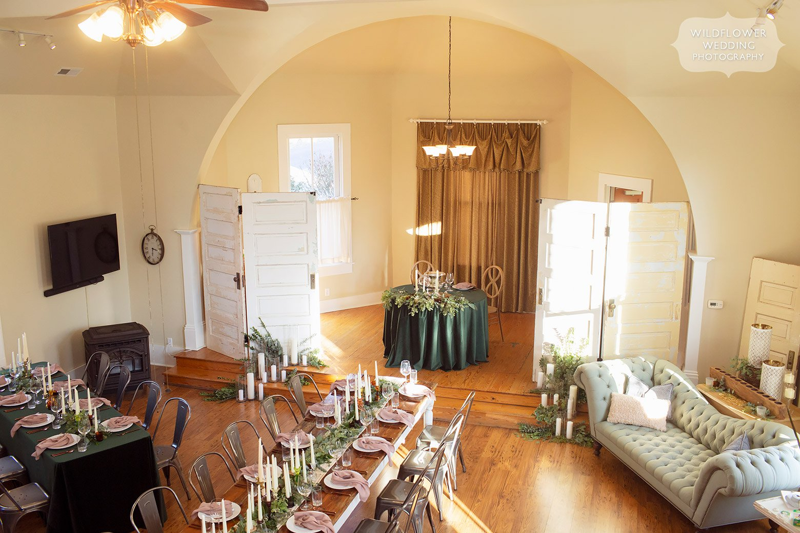 Inside view of the Mount Nebo Inn reception space set up for winter wedding.