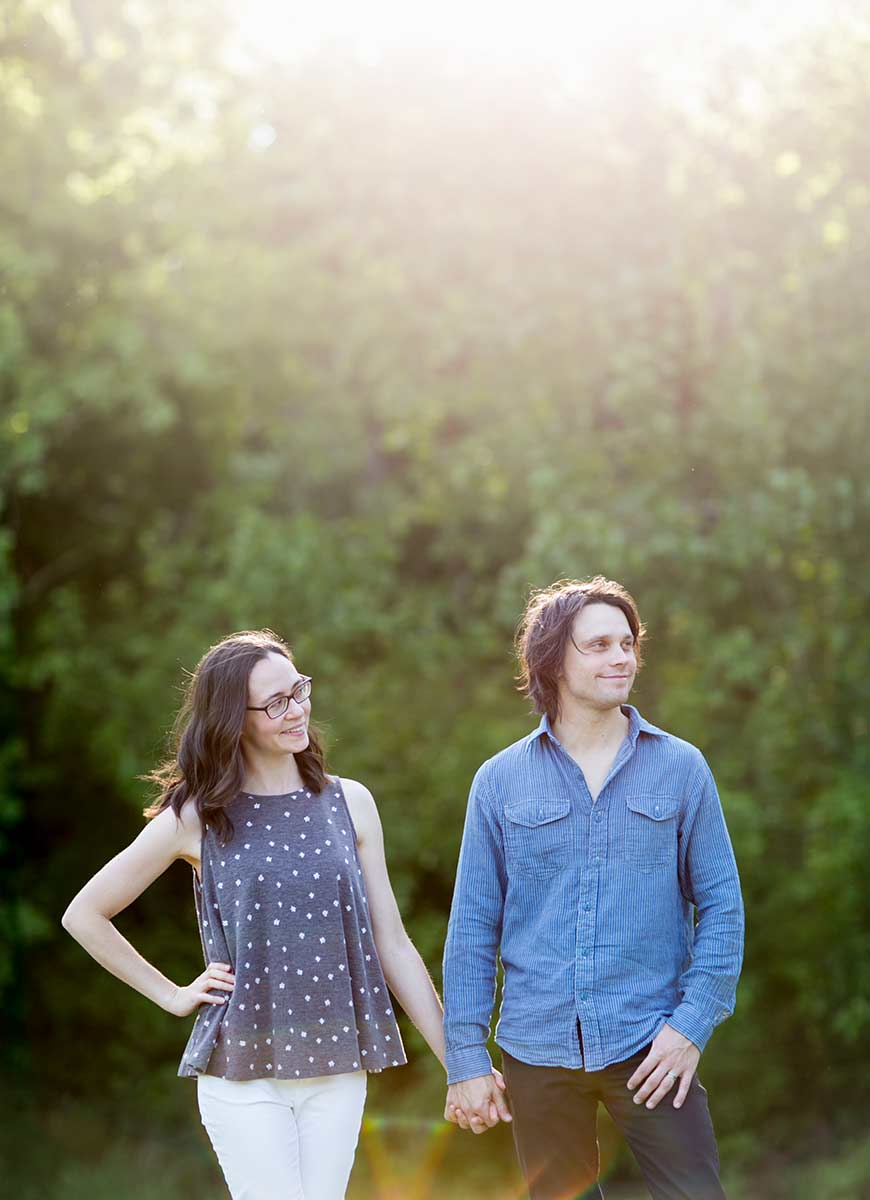 wedding photographers in columbia missouri who specialize in outdoor barn weddings