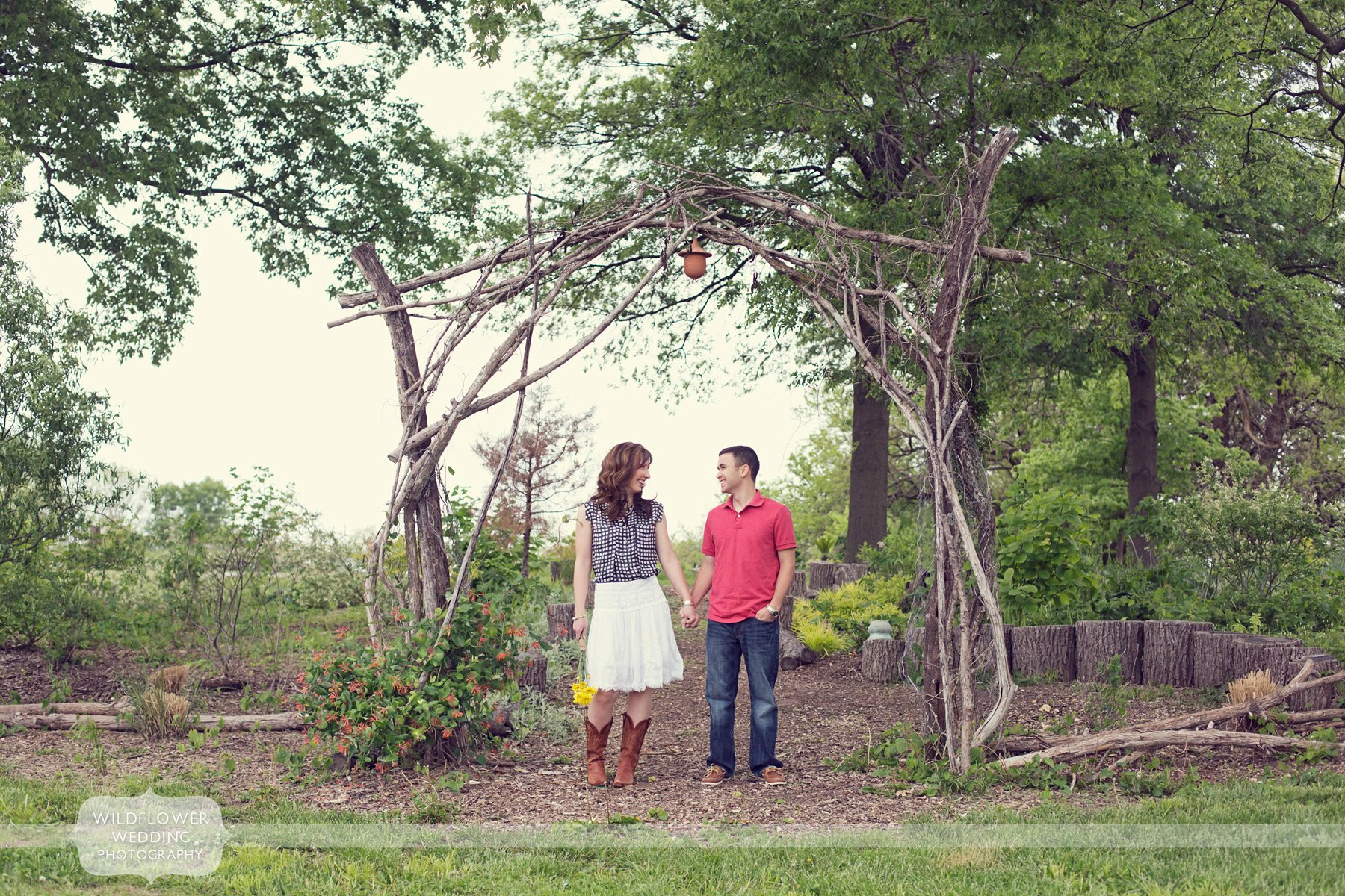 vintage-engagement-photos-blue-bell-farm-mo-01