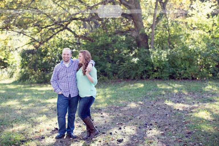 maplewood-barn-mo-engagement-photos-01