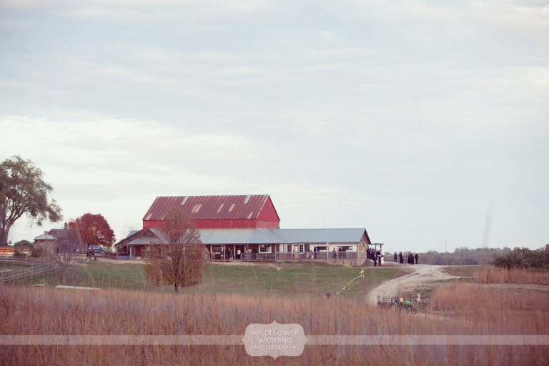 weston-red-barn-wedding-kc-mo-02