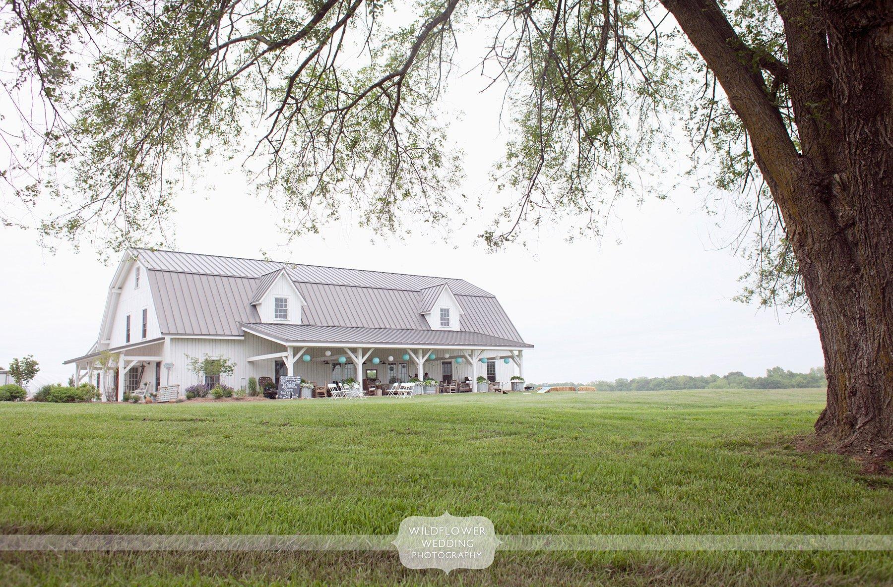 Outdoor Barn Wedding Near Columbia Mo Blue Bell Farm