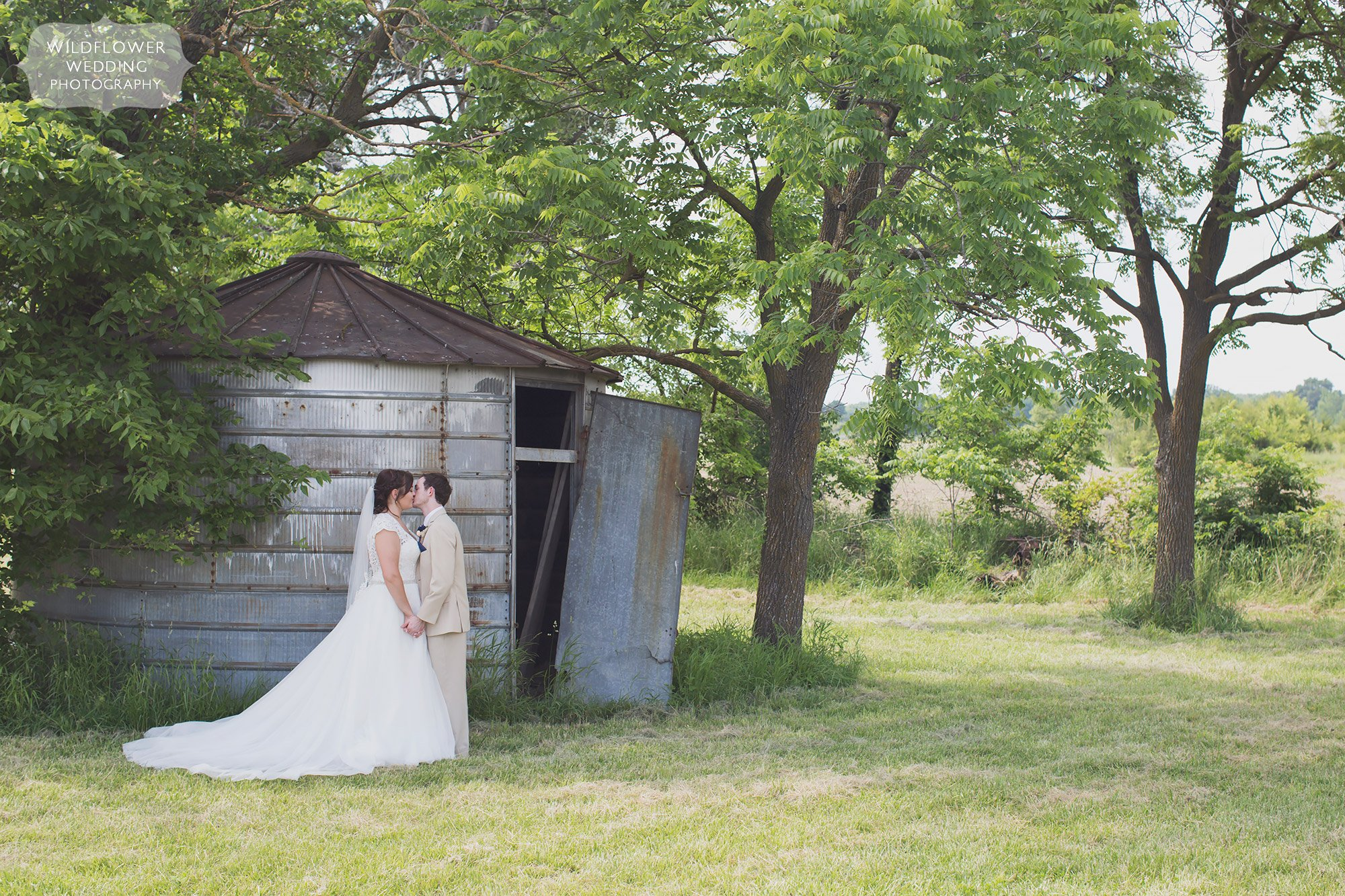 This Is One Of The Best Outdoor Country Wedding Venues Near Columbia, MO At  The