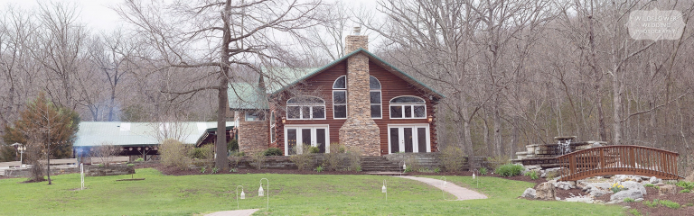 Rustic Little Piney Lodge wedding venue in Hermann, MO.